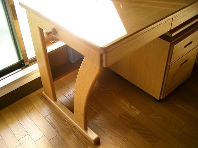desk-01.JPG